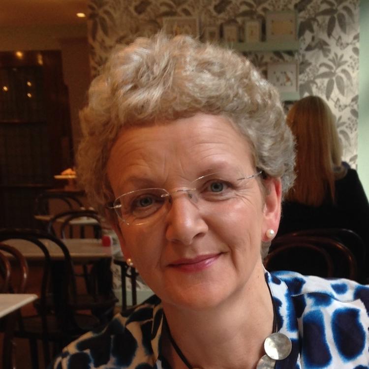 Mrs Fiona Roebuck